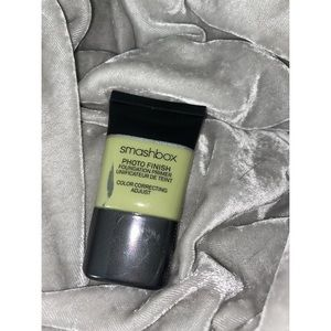 • SMASHBOX PHOTOFINISH COLOR CORRECT PRIMER(NEW) •